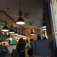 Photo prise au Coffee Corner Bakery par antigirl 👑 .. le12/21/2017