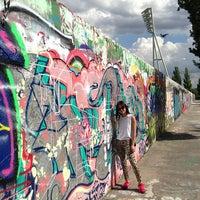 Das Foto wurde bei Mauerpark von Chad S. am 7/1/2013 aufgenommen