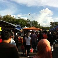 Photo taken at Pasar Ramadhan, Stadium Utama Kangar by Naztro A. on 8/7/2011