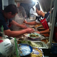 """Foto tomada en Tacos """"El Cuñado"""" por Alex V. el 12/15/2011"""