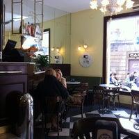 Foto tomada en Caffe San Marco por Beatriz G. el 3/24/2012