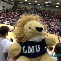 Foto tomada en LMU - Gersten Pavilion por Dwayne Z. el 1/15/2012