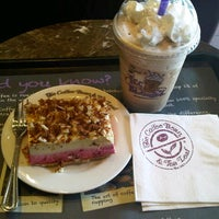 Photo taken at The Coffee Bean & Tea Leaf by Aileen G. on 8/7/2012
