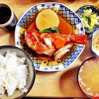 Photo taken at 魚幸 by Hiroaki H. on 3/16/2012