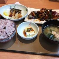 Photo taken at やよい軒 早稲田店 by fudeji t. on 4/22/2017