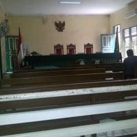 Photo taken at Pengadilan Negeri Medan by komeny s. on 4/4/2013