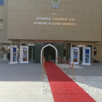 Снимок сделан в İstanbul Üniversitesi Kongre Kültür Merkezi пользователем Deniz K. 3/29/2013
