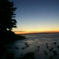 Photo taken at Oceano Atlântico by Jaqueline K. on 11/26/2016