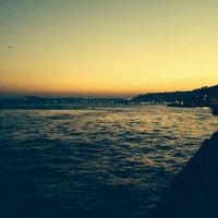 Das Foto wurde bei Beşiktaş Sahili von Tayfun👣 B. am 10/27/2013 aufgenommen