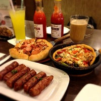 Photo taken at Pizza Hut by Ferry F. on 6/14/2013