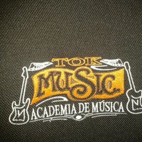 Photo taken at Tok Music - Academia De Música by Carlynha R. on 11/21/2013