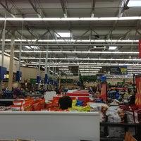 Das Foto wurde bei Walmart Supercenter von Michelle S. am 2/2/2013 aufgenommen