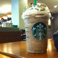 Photo taken at Starbucks by Joyhz S. on 2/23/2014