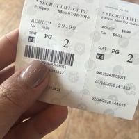 Das Foto wurde bei AMC Starplex Cinemas Loudoun Luxury 11 von Thanapa T. am 7/18/2016 aufgenommen
