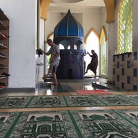 Photo taken at Masjid Nurul Iman Serendah by HaniffRaymond on 4/21/2017
