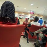 Photo taken at CIMB Bank by Hafify Rusydi R. on 2/13/2013