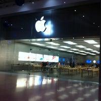 Foto scattata a Apple Centro Sicilia da Davide B. il 12/15/2012
