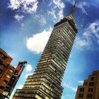 Foto tomada en Torre Latinoamericana por LÈA el 11/25/2012