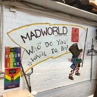 Foto scattata a Mad World Fancy Dress and Costume Hire da Jack E. il 8/18/2018