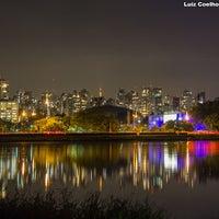 Das Foto wurde bei Parque Ibirapuera von Luiz C. am 11/15/2013 aufgenommen