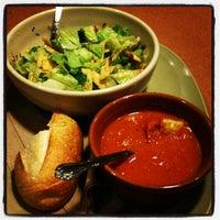 Foto tomada en Panera Bread por Taylor P. el 12/16/2012