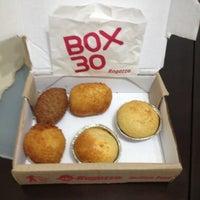 Photo taken at Box 30 Ragazzo Habib's by Rodrigo Y. on 4/15/2012