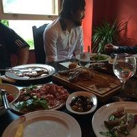 5/25/2014 tarihinde Harun A.ziyaretçi tarafından Arnavutkoy Steak House'de çekilen fotoğraf