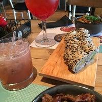 Foto tomada en Izakaya Sushi por Sofia M. el 3/22/2018