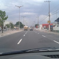 Photo taken at Avenida Constantino Nery by PH Gomes 《. on 11/30/2012