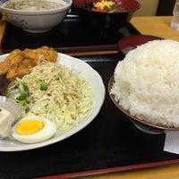 Photo taken at 味自慢 たかさご by 聡一郎 江. on 4/16/2015