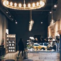 Foto tirada no(a) King's Street Coffee por Tim L. em 11/27/2017