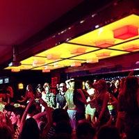 5/1/2013 tarihinde victoria t.ziyaretçi tarafından Lotus Bar'de çekilen fotoğraf