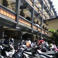 Photo taken at Universitas Mahasaraswati Denpasar by Wisnu P. on 9/24/2013