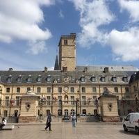 6/11/2015にDevochkaseveraがPalais des Ducs et des États de Bourgogne – Hôtel de ville de Dijonで撮った写真