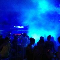 7/10/2013 tarihinde Side A.ziyaretçi tarafından Liman Restaurant Lounge Club'de çekilen fotoğraf