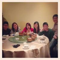 Photo taken at Big Gun Chinese Restaurant (廣州樓) by Daniel J. on 9/1/2013