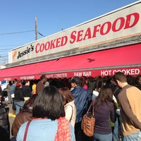 Foto tirada no(a) Maine Avenue Fish Market por Jason B. em 3/30/2013