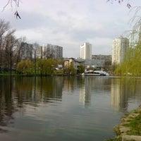 Снимок сделан в Голосеевская площадь пользователем Денис Е. 4/25/2013