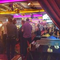 Photo prise au DoZari / Дозари шоу-ресторан на воде par Алена✨ Г. le9/13/2014
