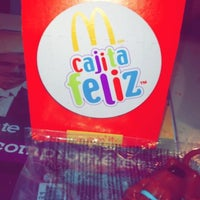 Photo taken at Mc Donald's by Leslie A. on 7/21/2014