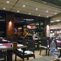 รูปภาพถ่ายที่ Cheffy Dünya Mutfağı โดย Uğur G. เมื่อ 8/14/2013