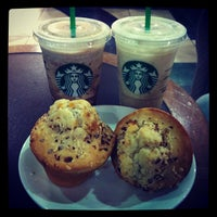 Photo taken at Starbucks Coffee by Felipe F. on 12/15/2012