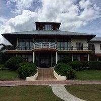 Photo taken at The Ocean Residence Langkawi by Amaruddin S. on 9/26/2017