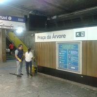 Foto tirada no(a) Estação Praça da Árvore (Metrô) por Roberto S. em 12/2/2012