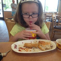 Photo taken at Bojangles' Famous Chicken 'n Biscuits by Elizabeth L. on 8/30/2014