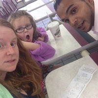 Photo taken at Taco Bell by Elizabeth L. on 6/28/2014