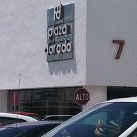 Foto tomada en Plaza Dorada por Ray Servulo V. el 8/13/2013