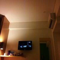 Photo taken at Amaris Hotel Cihampelas by Lynda L. on 2/28/2013