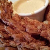 Photo taken at Outback Steakhouse by Dana R. on 5/10/2014