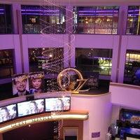 รูปภาพถ่ายที่ Regal Cinemas LA LIVE Stadium 14 โดย Wondir B. เมื่อ 12/30/2012